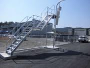 トラック荷台作業足場製作・設置